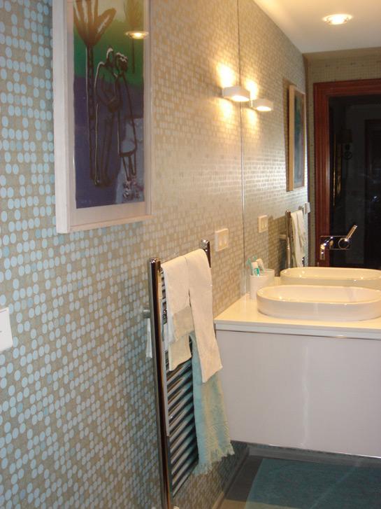 Baños Con Ducha Reformados:Dos baños reformados de arriba a abajo